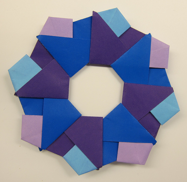 ../img/origami-wreath.jpg